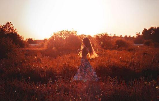 异地恋冷淡期不知道聊什么,异地恋出现冷淡的原因