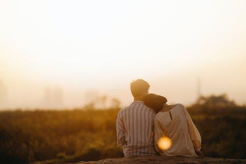 老公出轨后要和我离婚,我还有机会挽回吗?