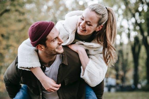 男人不会处理婆媳关系,男人面对婆媳关系的方法