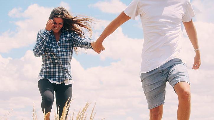 恋爱时遇到旧爱,对待旧爱的态度
