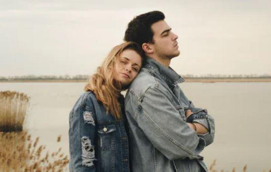 通过什么感人的方式挽回女友的心