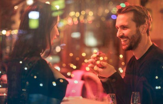 异地恋对象变得越来越冷漠,感情冷淡的处理方法