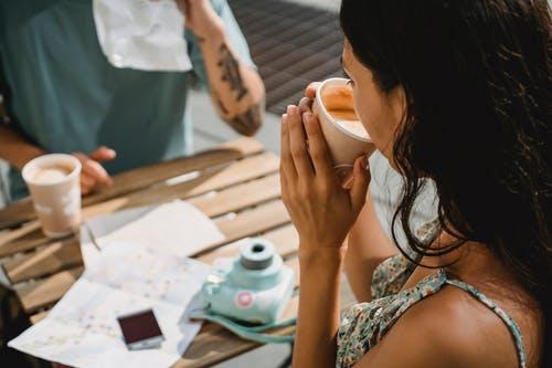 怎样控制对已婚男同事的暗恋