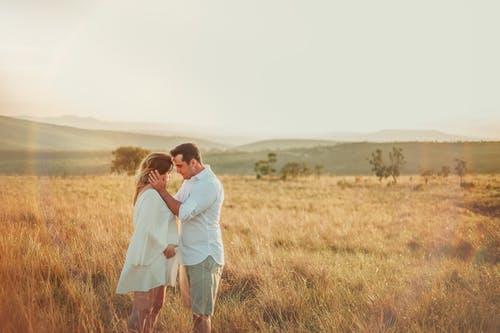 """勇敢追求爱情不留遗憾,靠的不是""""死缠乱打""""而是""""这"""""""