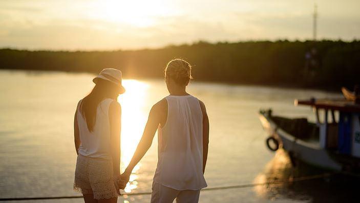 与相爱的人分手如何挽回?用催泪短文打动对方的心吧
