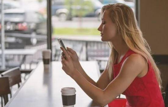 网恋对象不愿意奔现,经常吵架是为什么?